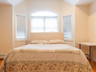 Bright, Cozy Private Room - Palisades Park vacation rentals