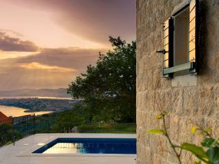 VILLA GORICA , Luxury villa with pool - Podstrana vacation rentals