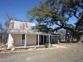 Lovely 1 bedroom Cottage in Fredericksburg with Microwave - Fredericksburg vacation rentals