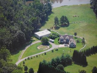 Cozy apt. on horse farm near Elon University - Greensboro vacation rentals