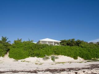 Wonderful ocean vistas with open floor plan - Harbour Island vacation rentals