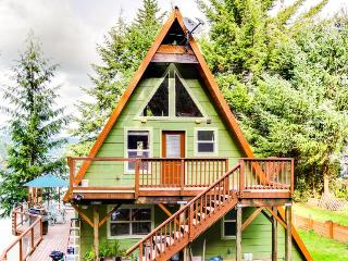 McDragonfly Cabin - Lakeside vacation rentals