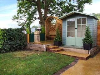 ASHES LODGE, WiFi, romantic cottage in Little Stretton, Ref. 918169 - Little Stretton vacation rentals