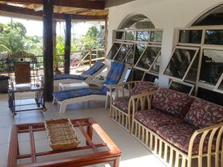 APARTMENT IN EXECUTIVE RESIDENTIAL HOME - Nadi vacation rentals
