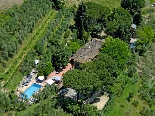 Comfortable Farmhouse Barn with Internet Access and Shared Outdoor Pool - Poggibonsi vacation rentals