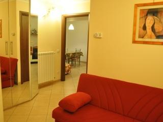 Romantic 1 bedroom Apartment in Villetta Barrea with Internet Access - Villetta Barrea vacation rentals