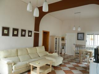 Nice Chalet with Dishwasher and Stove - Miramar vacation rentals
