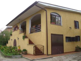 Villa Gaia - casale di campagna - Giulianello vacation rentals