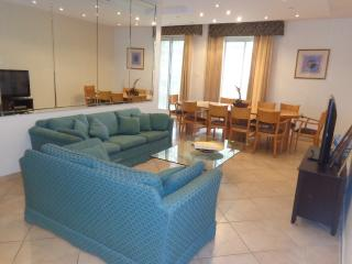 Spacious and comfortable in Central Jerusalem - Jerusalem vacation rentals
