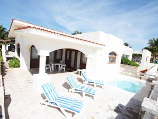 Beach Front Villa in Playa del Carmen (orilla) - Playa del Carmen vacation rentals