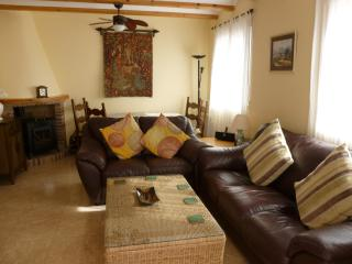 Nice Villa with Internet Access and Satellite Or Cable TV - Alcalali vacation rentals
