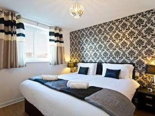 Jacob's Apartment in city centre of Edinburgh. free parking, free Wi-fi, balcony - Edinburgh vacation rentals