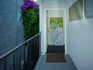 Venice Beach 2 bed 1 Bath w/ Private Patio Deck - Los Angeles vacation rentals