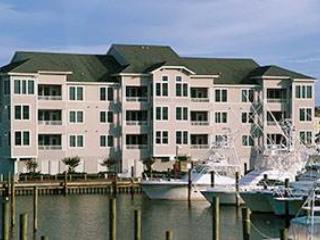 Marinafront 4BR w/ 5 TVs - Gulfstream Village #125 - Image 1 - Manteo - rentals