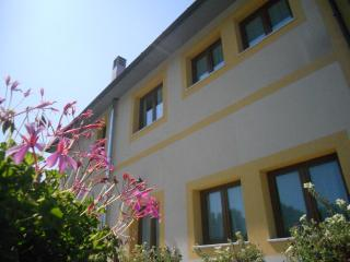 Bright B&B with Safe and Central Heating - Borghetto di Vara vacation rentals