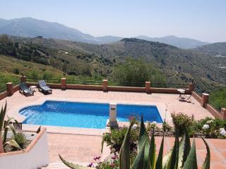 Los Almendros - Canillas de Albaida vacation rentals