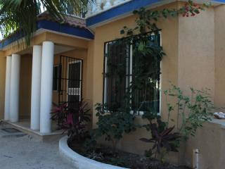 Nice House with Internet Access and Stove - Chelem vacation rentals