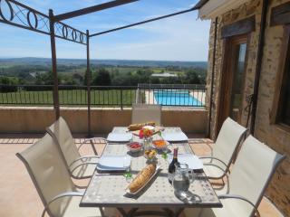 Sunny 2 bedroom Monesties Gite with Internet Access - Monesties vacation rentals