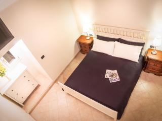 Churchside Flat in Central Florence - Florence vacation rentals