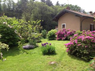 piano terreno di una villetta a due piani - Ghiffa vacation rentals