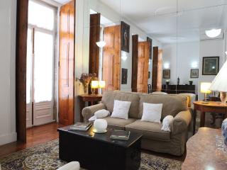 Charming Apt in Central Lisbon - Lisbon vacation rentals