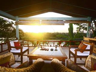 Bright 2 bedroom Canggu Villa with Internet Access - Canggu vacation rentals