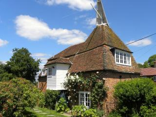 Stone Green Oast - Stone in Oxney vacation rentals