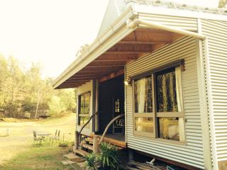 Knights Ridge secluded eco retreat - Wollombi vacation rentals