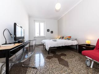 Bright home in a safe area - Metro A/C WiFi - Rome vacation rentals