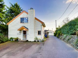 Colorful, eclectic home w/ a peek-a-boo view of Yaquina View - Newport vacation rentals