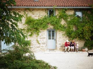 La Marguerite 6 persons Holiday Cottage - Saint-Leonard-de-Noblat vacation rentals