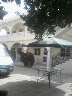 SINGLE APARTMENT nro2 WITH DOUBLE BED - Kololi vacation rentals