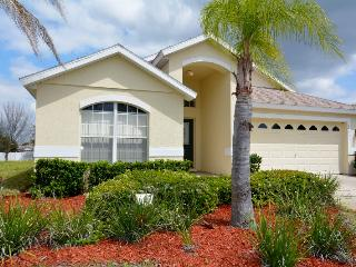 Luxury Pool Home - Close to Parks - 5 BR/4 Baths - Sleeps 12 - Clermont vacation rentals