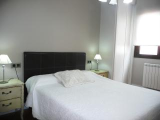 Best Price, New And In The Center, 3rd C   Mejor P - Salamanca vacation rentals