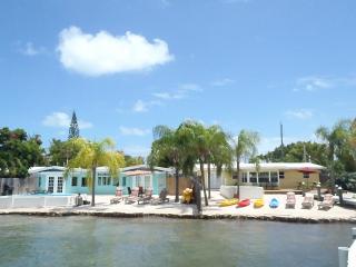 Gulf View Suites w/Docks, Pools, Kayaks -Sleeps 20 - Marathon vacation rentals