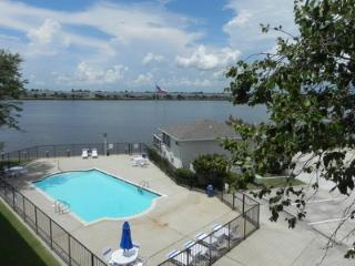 Waterfront condo w/pool/gym/wifi - Slidell vacation rentals