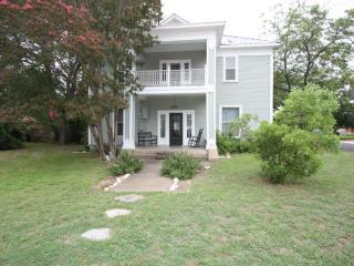 Bell Street Manor - Fredericksburg vacation rentals