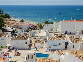 SUPERIOR 2 BEDROOM APARTMENT SEA VIEW, FOR 5 ADULTS, 50M FROM THE BEACH - ALBUFEIRA - REF. GB151616 - Albufeira vacation rentals