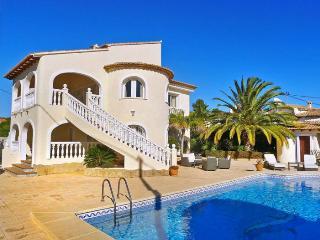 Bon Bienvenida - La Llobella vacation rentals
