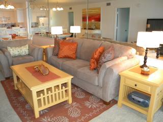 Mariner Pointe #1032 Sat to Sat Rental - Sanibel Island vacation rentals