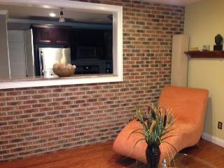 Beautiful 2 Bedroom Modern Apartment Near NYC - Bogota vacation rentals