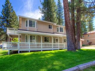 Only minutes to casinos or Heavenly Valley - HCH1030 - South Lake Tahoe vacation rentals