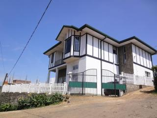 Endeavour Hills Holiday Bungalow - Nuwara Eliya vacation rentals