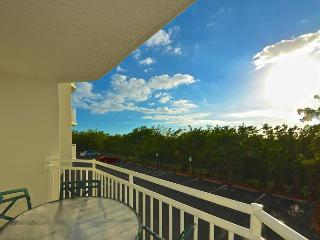 DOMINICAN SUITE #110 - 2/2 Condo w/ Pool & Hot Tub - Near Smathers Beach - Key West vacation rentals