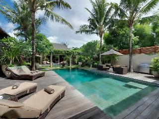 8 bedroom Bali city center modern luxury villa - Seminyak vacation rentals