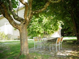 Le Narcisse 3 persons Holiday Cottage - Saint-Leonard-de-Noblat vacation rentals