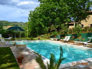 Country house with pool, surrounded by green hills - Ancona vacation rentals