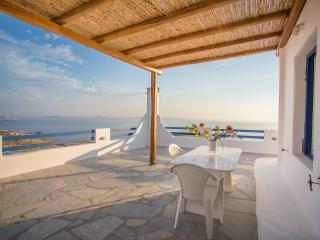 Beautiful 3-bdrm House in Mykonos - Neochori vacation rentals