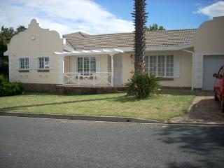 Cape Dutch house with swimming pool - Kenridge vacation rentals
