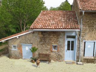 La Tulipe 2 persons Holiday Cottage - Saint-Leonard-de-Noblat vacation rentals